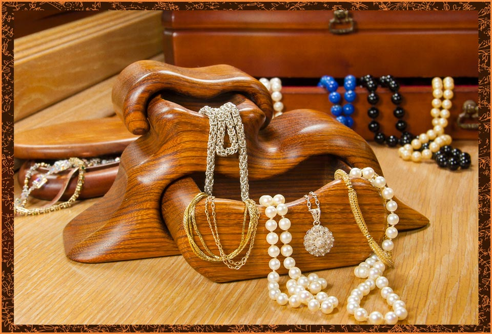 Home Jewelry Parties | How to Sell Jewelry | Learn More at